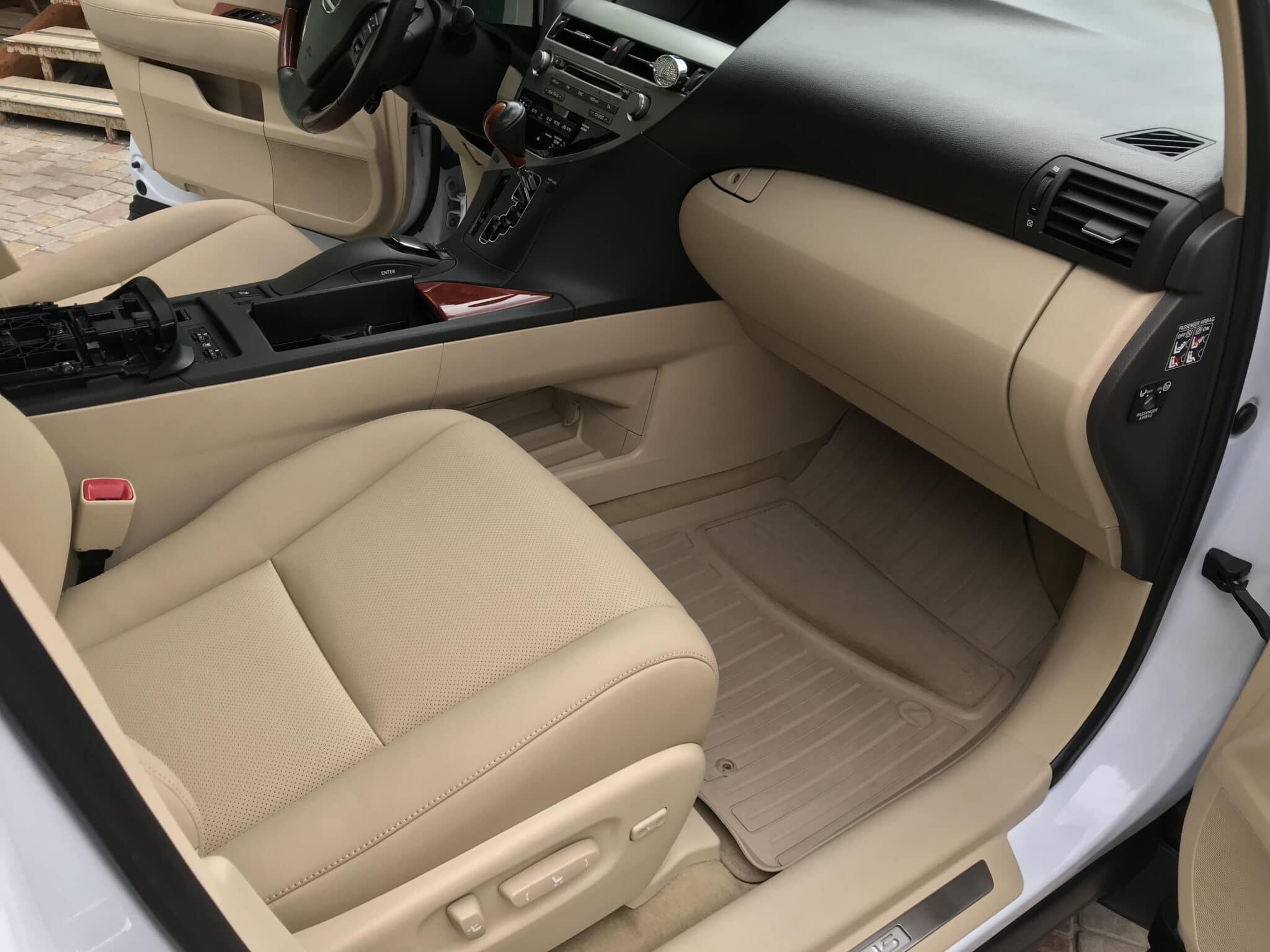 Перетяжка салона Lexus RX450 в кожу Nappa