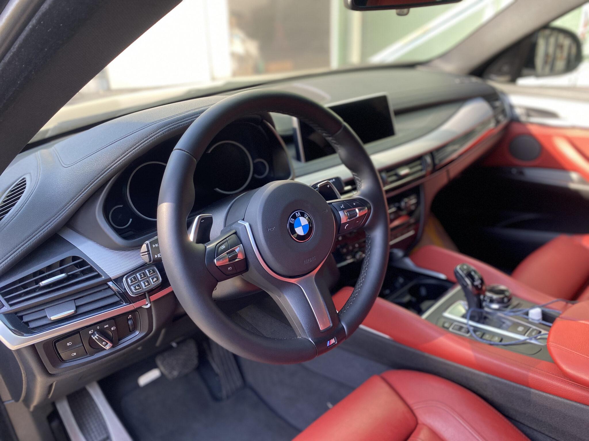Перетяжка руля BMW X6 F16 с подогревом
